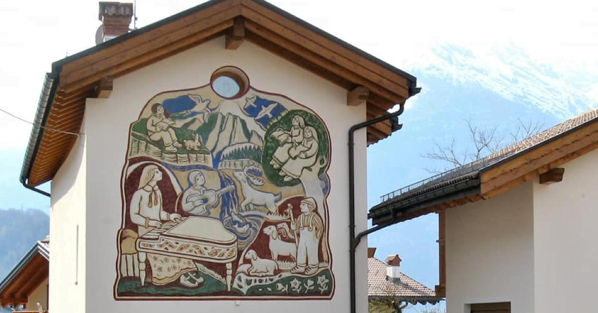 """Agordo, cuore delle Dolomiti e """"Paese dei Graffiti"""""""