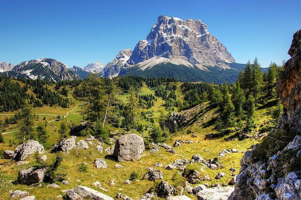 Giro del Monte Pelmo nelle Dolomiti della Val di Zoldo