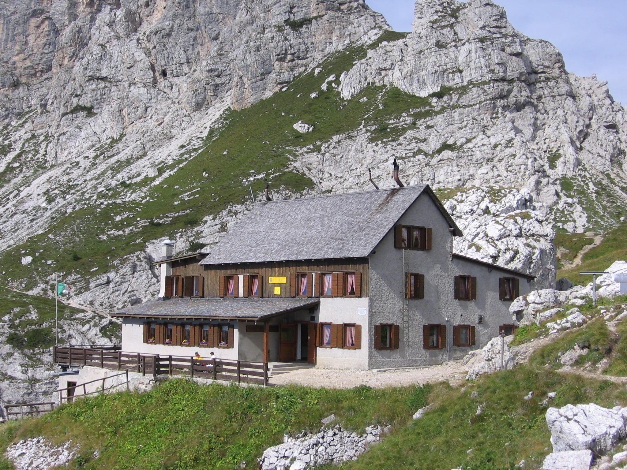Al Rifugio Coldai da Alleghe: un classico delle Dolomiti