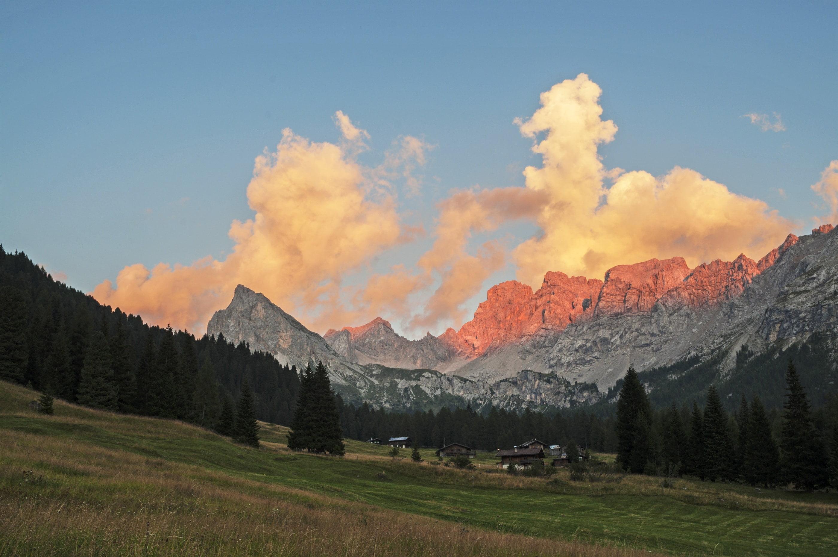 Enrosadira, la luce rosa che colora le Dolomiti