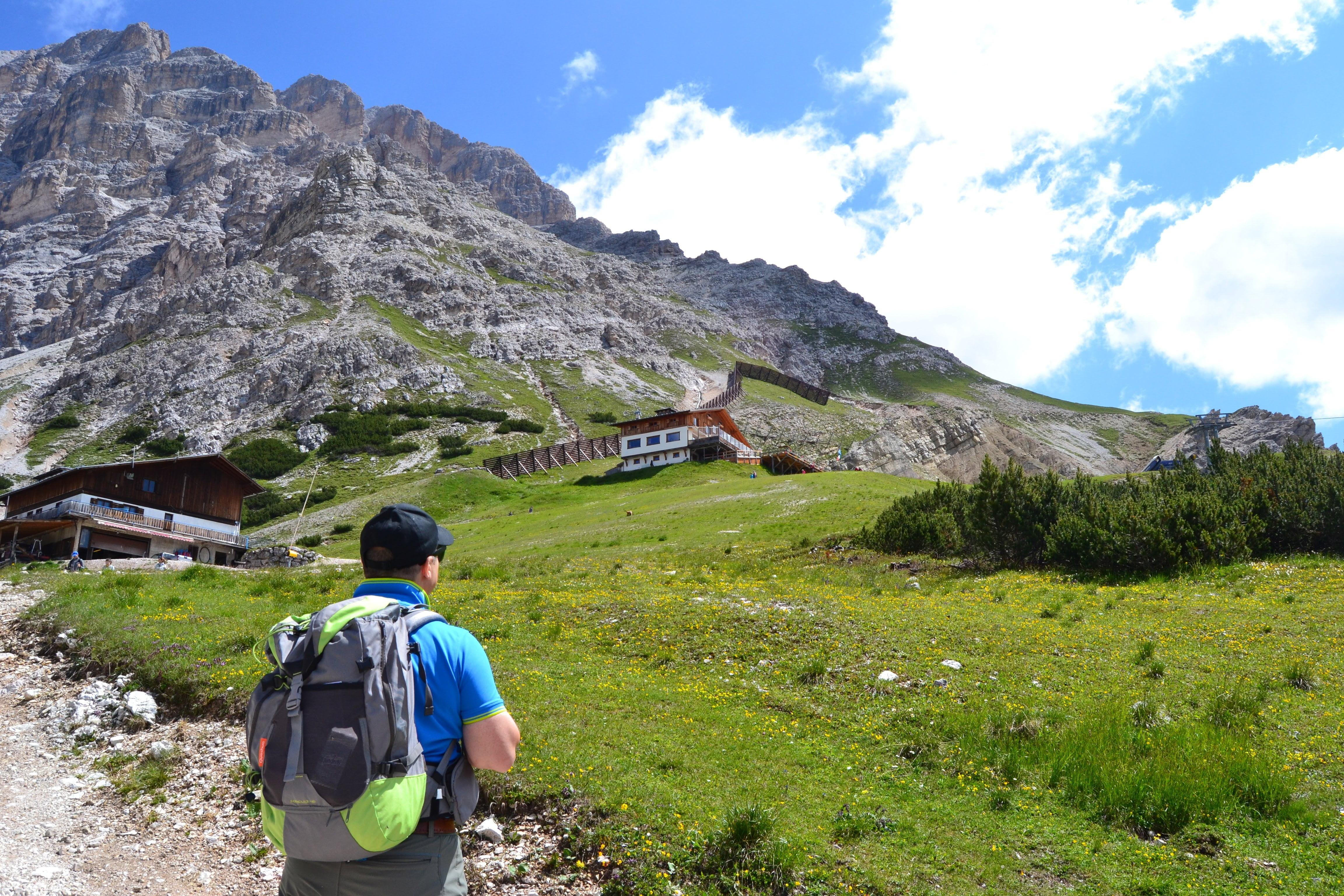 Al Rifugio Son Forca sul Monte Cristallo da Passo Tre Croci