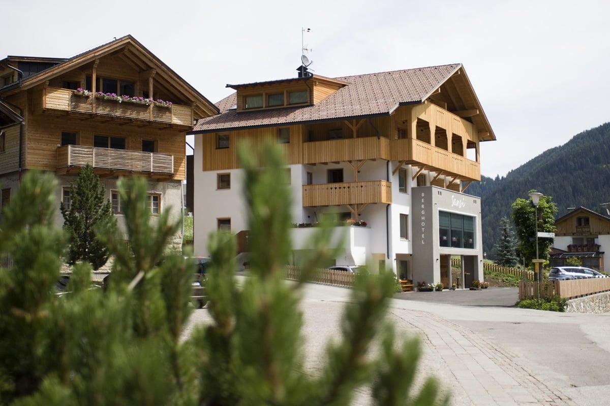 Berghotel Sanvì  a Longiarù: benessere e natura tra le Dolomiti dell'Alto Adige