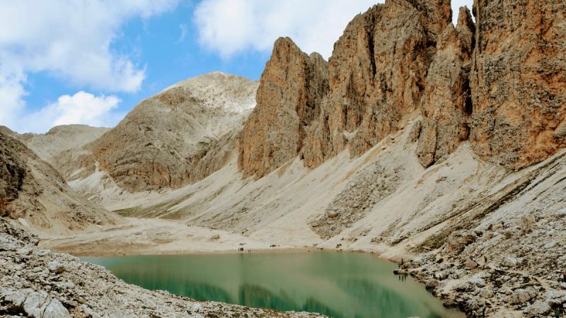 Escursione al Lago di Antermoia: il gioiello delle Dolomiti